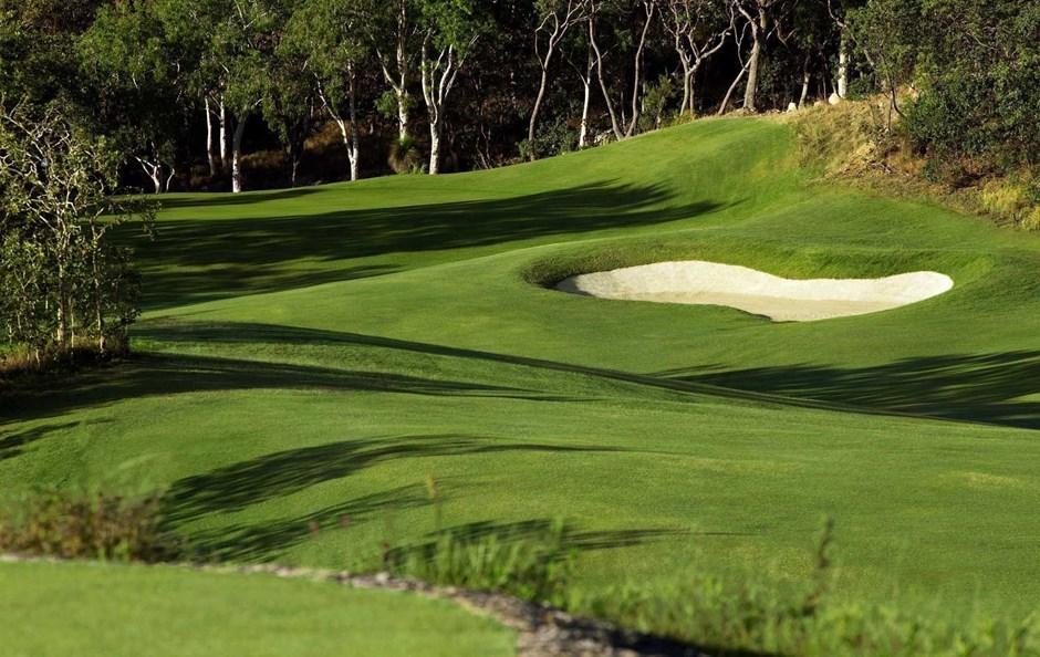 Hole 2 - Hamilton Island Golf Club