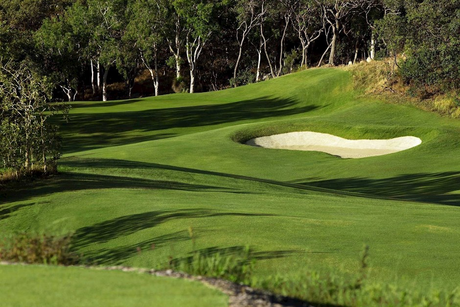 Hole 2 - Hamilton Island Golf Club