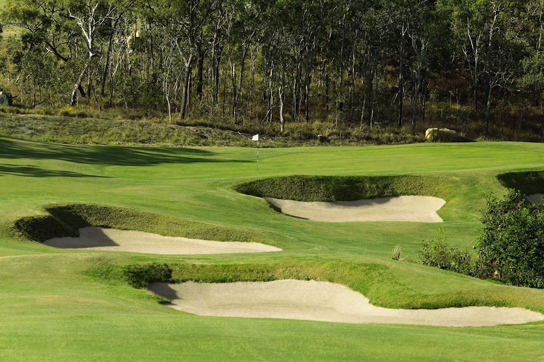 Golf Course Hole 11 Dent Island - Hamilton Island golf holidays