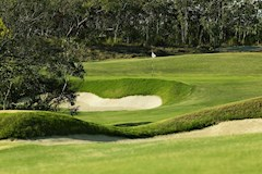 Golf Course Hole 12 Dent Island - Hamilton Island golf holidays