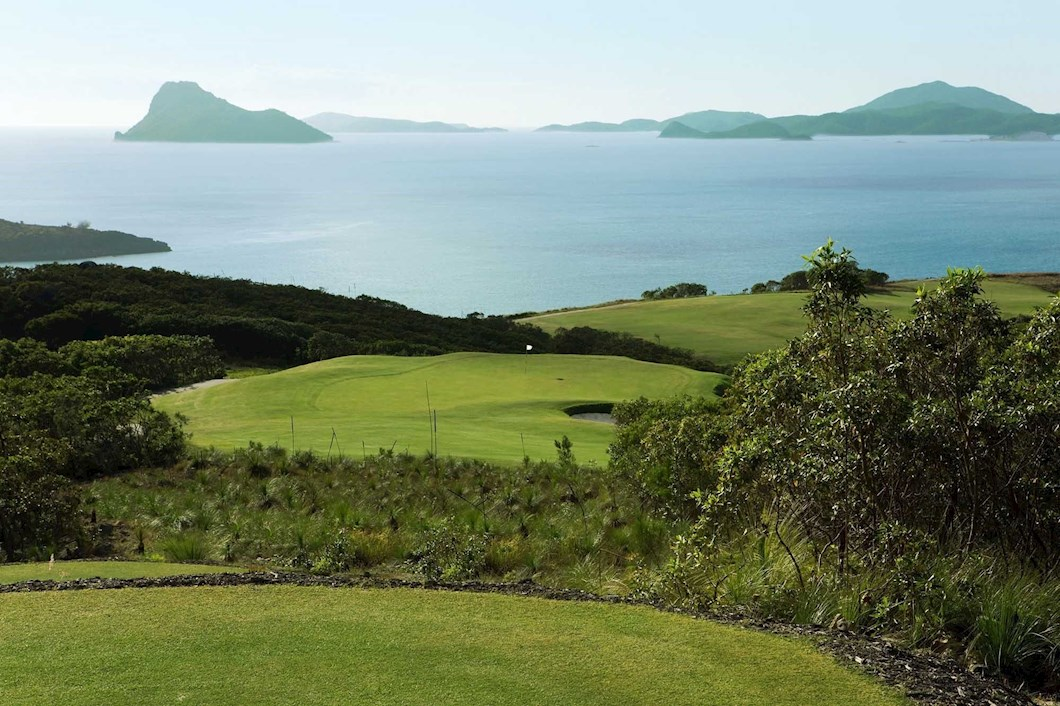 Golf Course Hole 14 Dent Island - Hamilton Island golf holidays