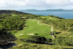 Golf Course Hole 3 Dent Island - Hamilton Island golf holidays