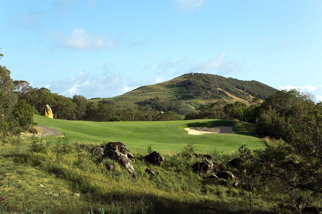 Golf Course Hole 7 Dent Island - Hamilton Island golf holidays